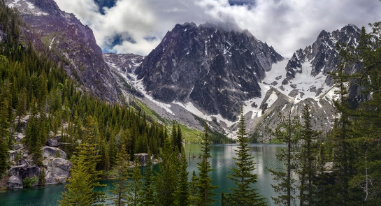 Visiting Colchuck Lake and Travelling Light