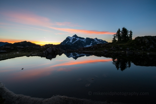 Mount Shuksan Sunrise Reflection - Zeiss 15mm Milvus