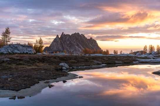 Prusik Peak Sunrise Enchantments Fall Colors Larches Photography and Hiking