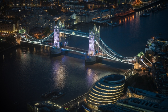Zeiss 85mm Otus handheld night shot of the Tower Bridge from the Shard