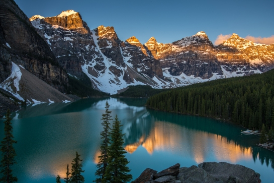 Moraine Lake Banff Sunrise Alpenglow Reflection