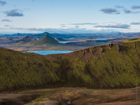 Views from the Suðurnámur mountain ridge and Vondugil in the Icelandic Highlands. Fuji GFX50s and Zeiss 100-300mm lens